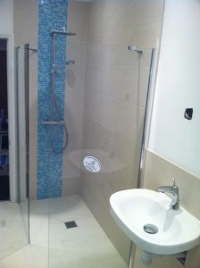 "Walk in shower ""wet room"" style"
